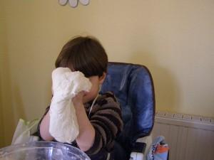 Amasar puede ser una gran experiencia sensorial para los niños