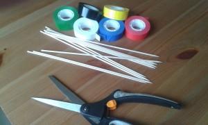 Materiales para hacer un Mikado o palillos chinos.