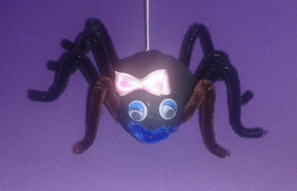 Versión femenina de la araña de tela