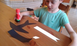 Presentación de las partes de la golondrina de cartulina