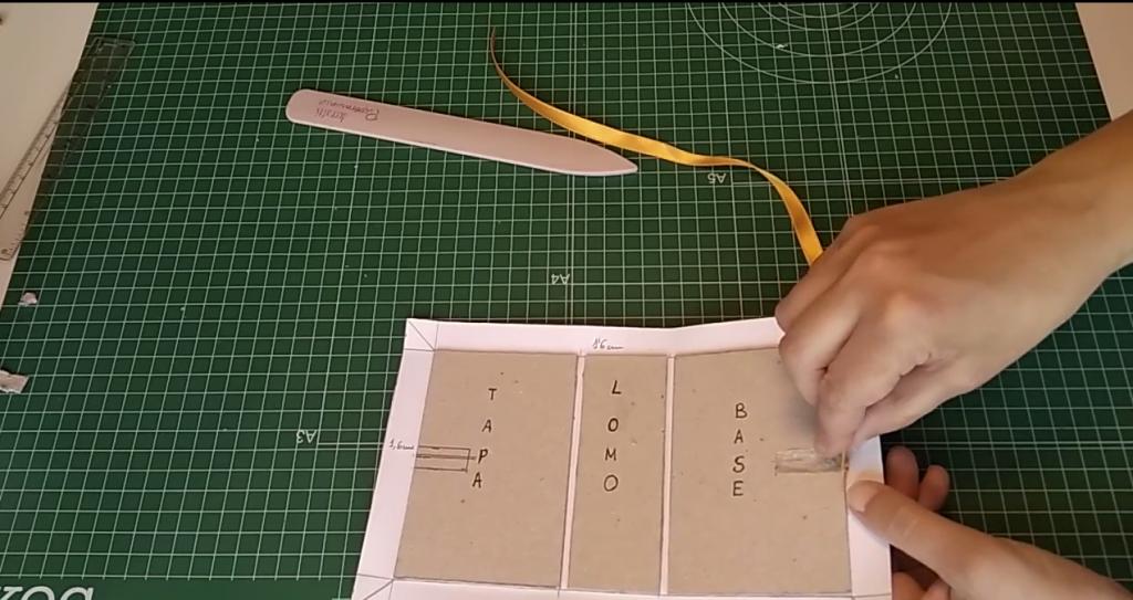 Ajustamos la perforación de la cartulina